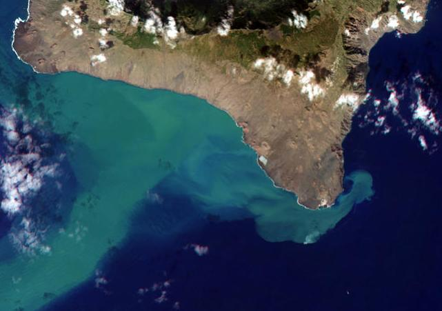 Archive image of El Hierro volcano eruption